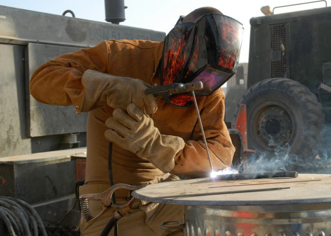 Auto-Darkening Welding Helmets Offer Sensitivity and Control Delays for the Lens
